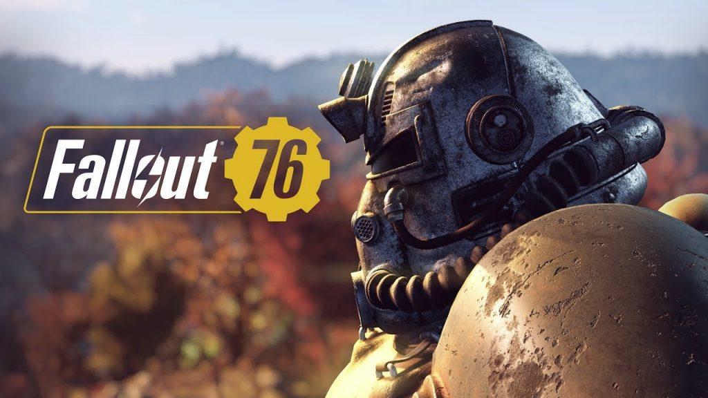 Soldado de Fallout 76 puesto de costa con el banner del videojuego
