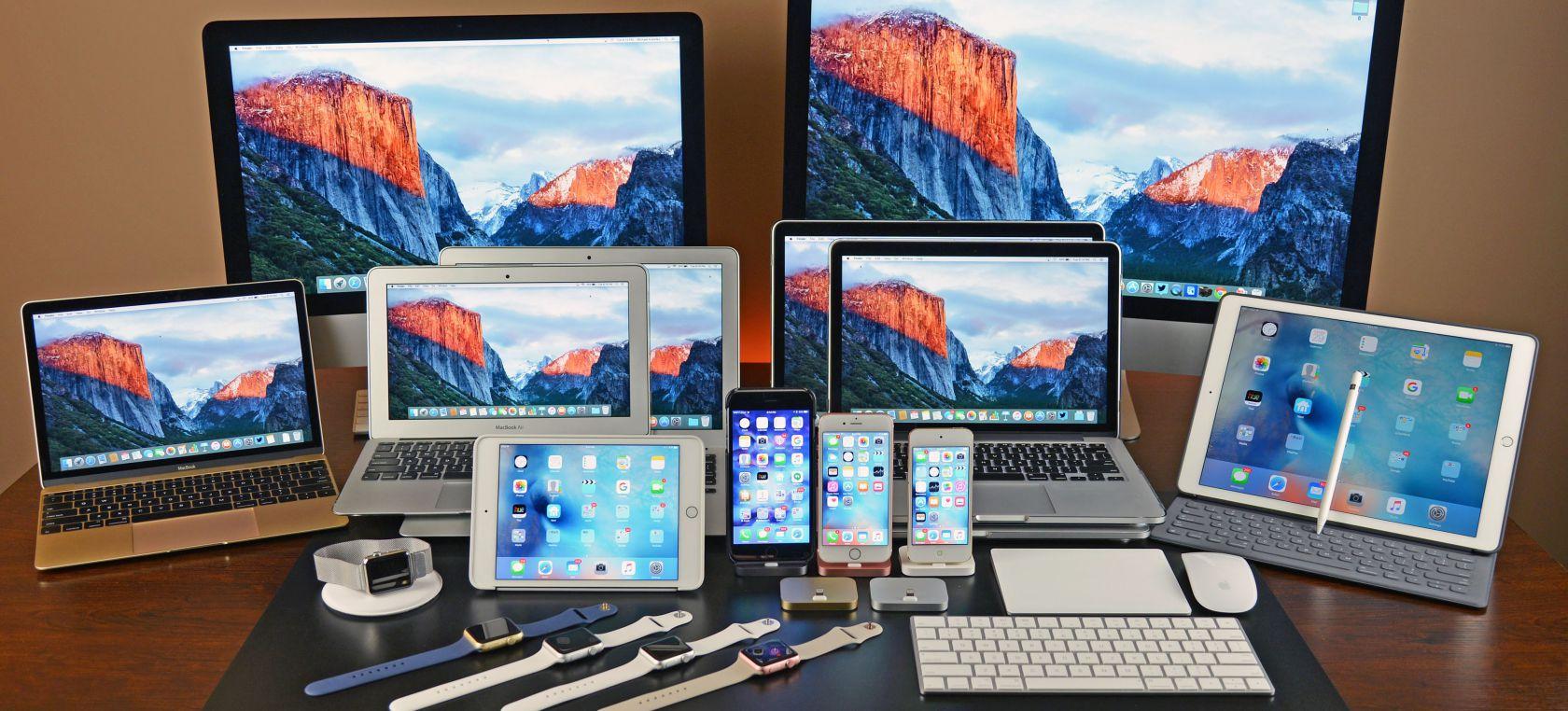Celulares y pantallas llenas de tecnología