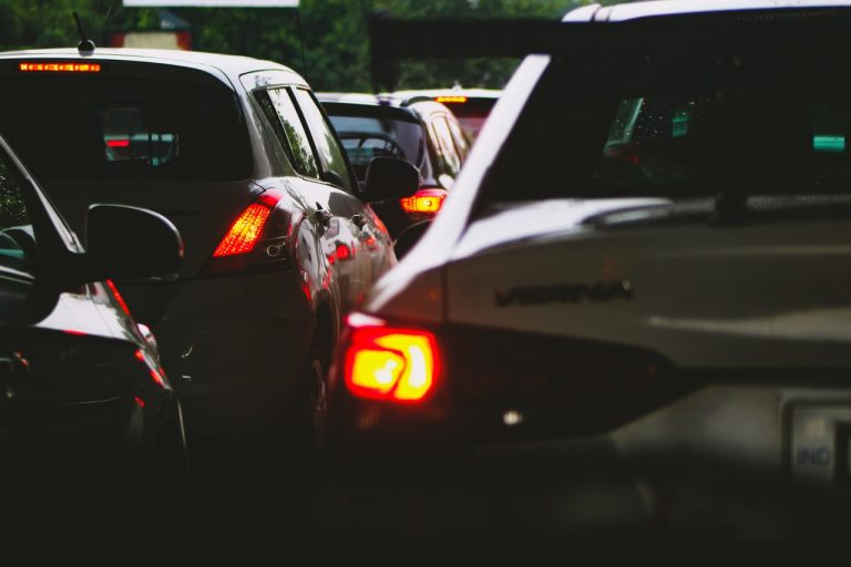 Automóviles en el tráfico